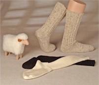 Wadenlange Schafwollsocken