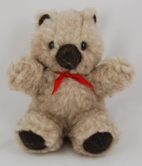 Natürliches Schmusetier Teddy Bärly